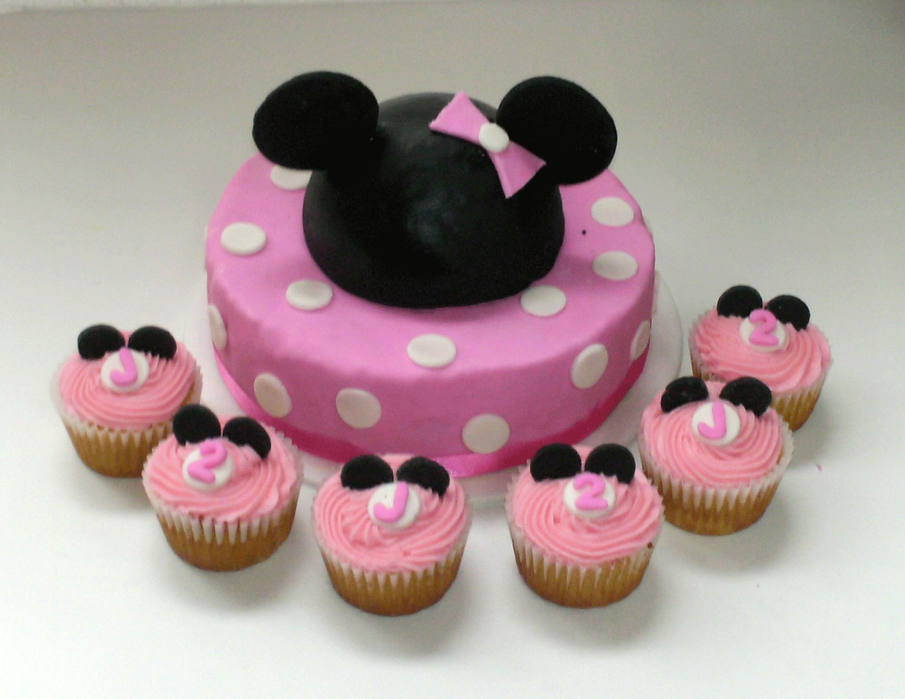 Modelos de tortas de Minnie Mouse | Fiesta101