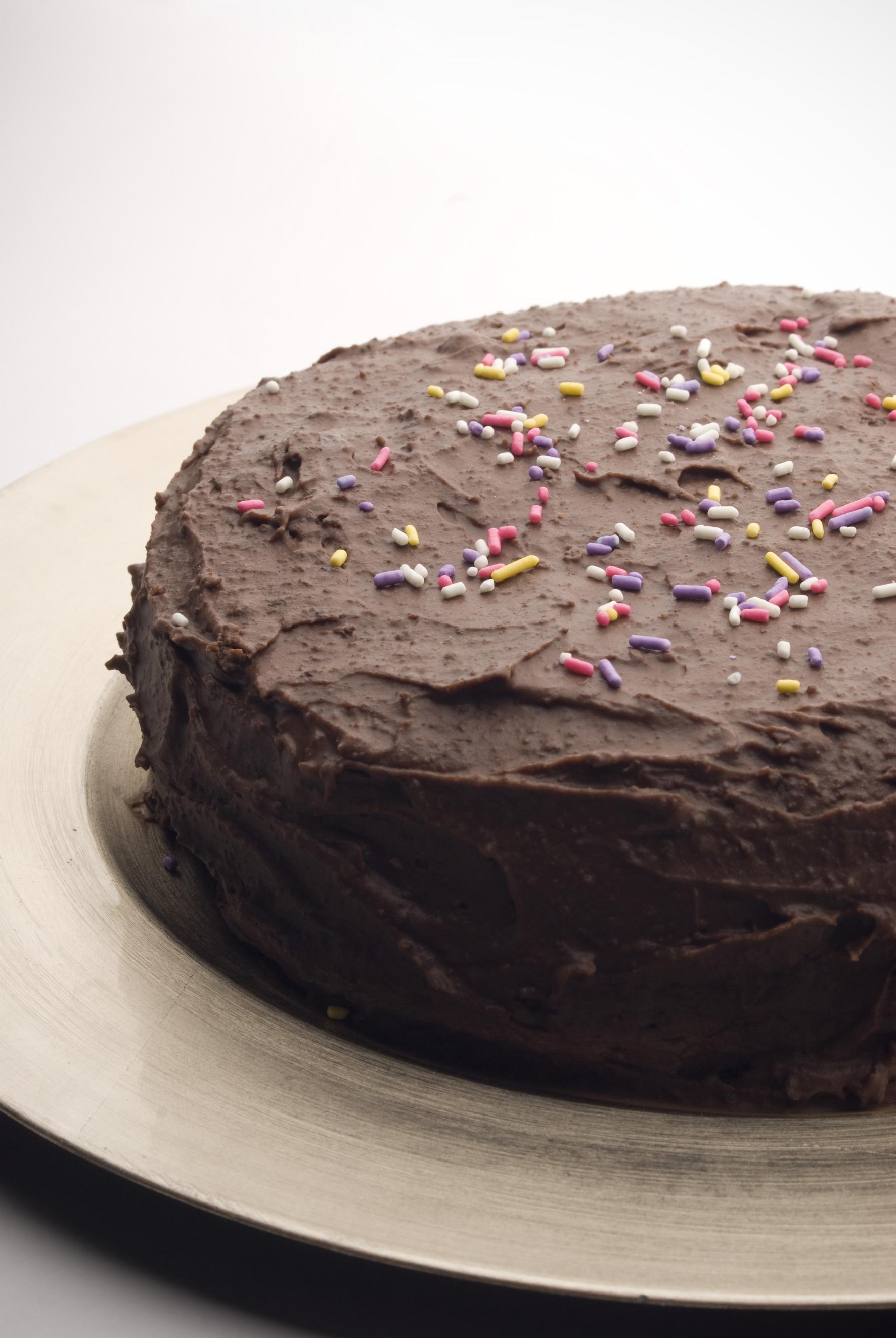 Baño Para Torta Infantil:Esponjosa y suave torta de chocolate, con cobertura de chocolate