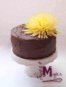 chocolate-rustica-flor-amarilla