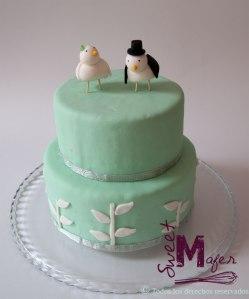 torta-ramitas-en-menta-y-blanco