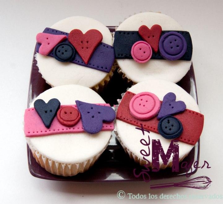 cupcakes-botones-y-corazones
