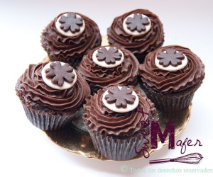 cupcakes-chocolate-flores