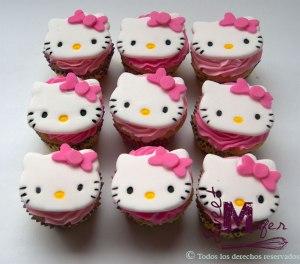 hello-kitty-cupcakesa