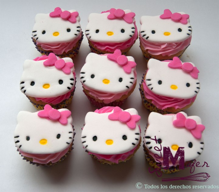 hello-kitty-cupcakesa