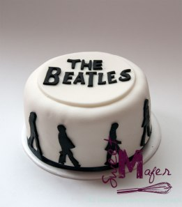 the-beatles-cake