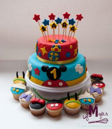 torta-casa-de-mickey-2-y-cupcakes