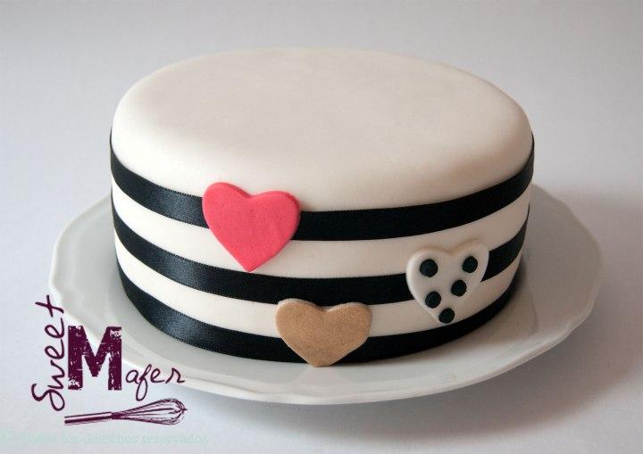 torta-rayas-y-corazones