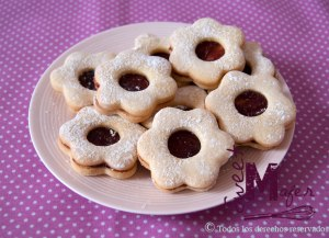 flower-linzer-cookies