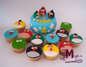 angry-birds-cake-+-cups