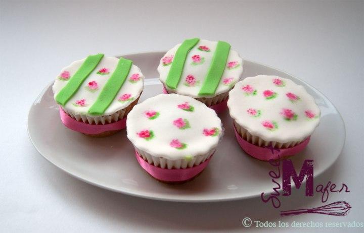 cupcakes-con-flores-de-porcelana