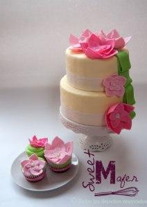 torta-y-cupcakes-en-rosa-y-verde