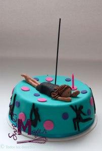 pole-dancing-cake