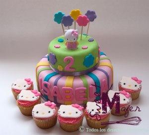 torta-kitty-y-cupcakes-isabela
