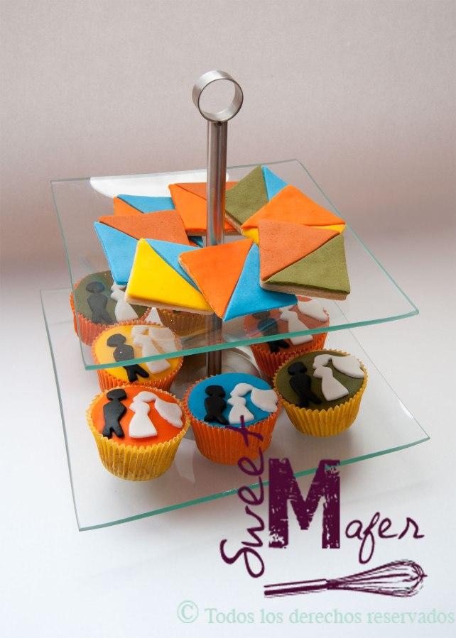 torre-galletas-triangulo-y-cupcakes-siluetas-novios