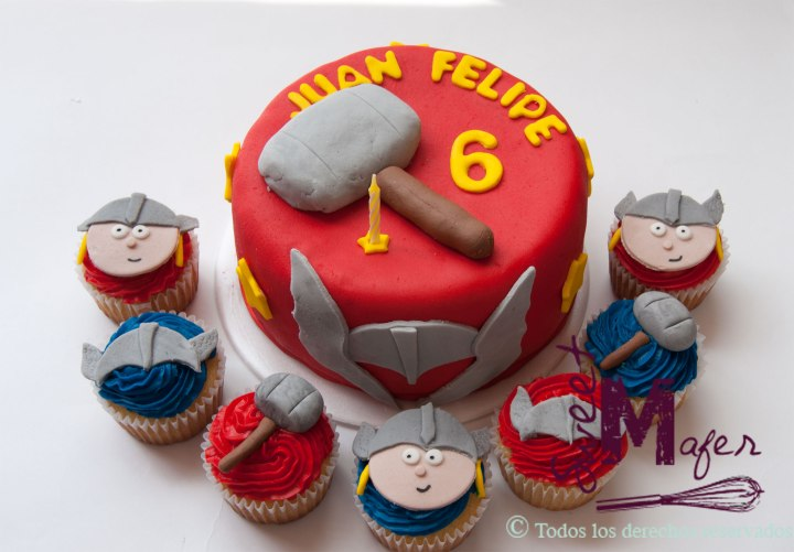thor-cupcakes-and-cake