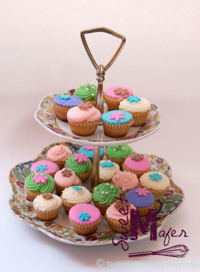 vintage-mini-cupcakes
