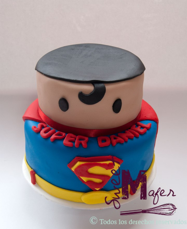 super-man-cute-cake