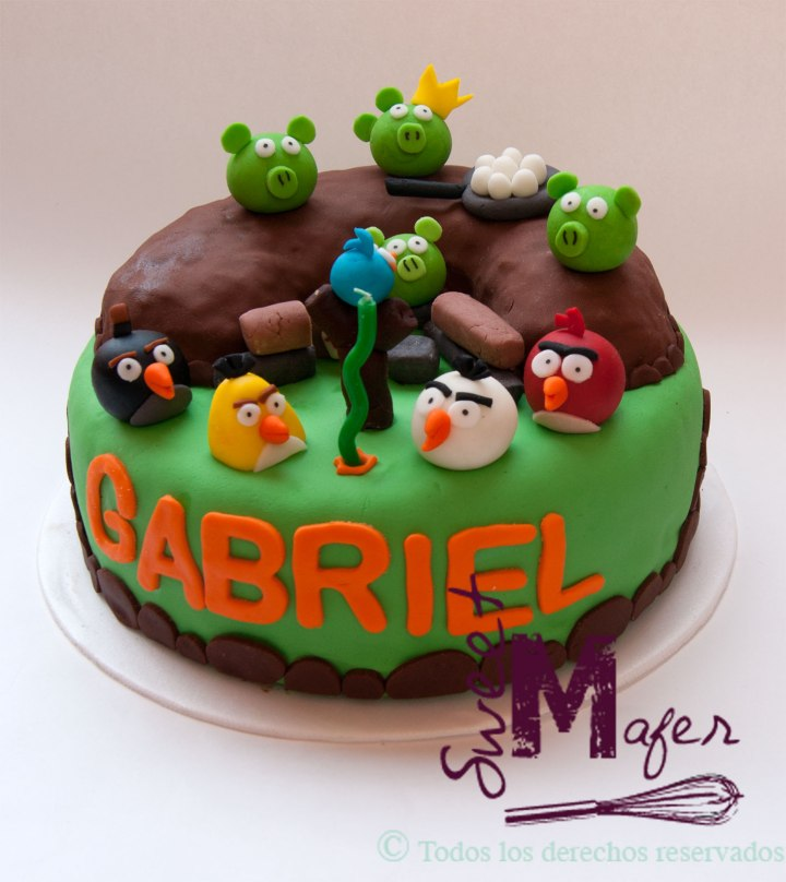 torta-angry-birds-monticulo