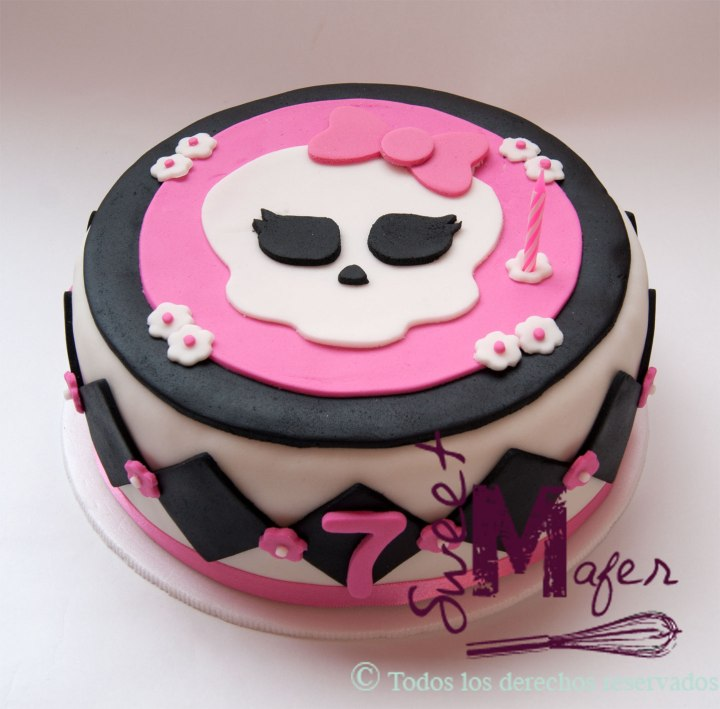 torta-monster-high-1-piso