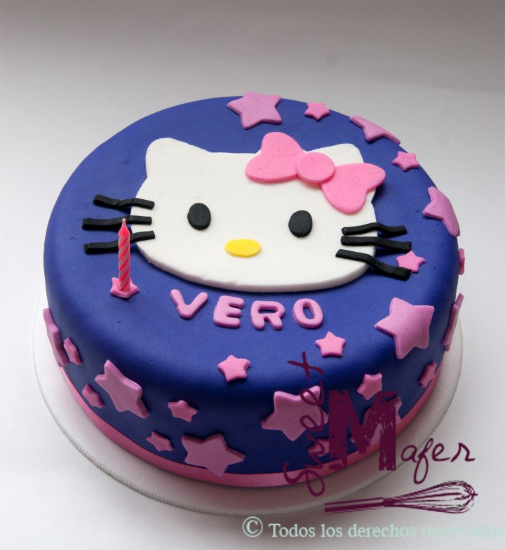 hello-kitty-stars-cake