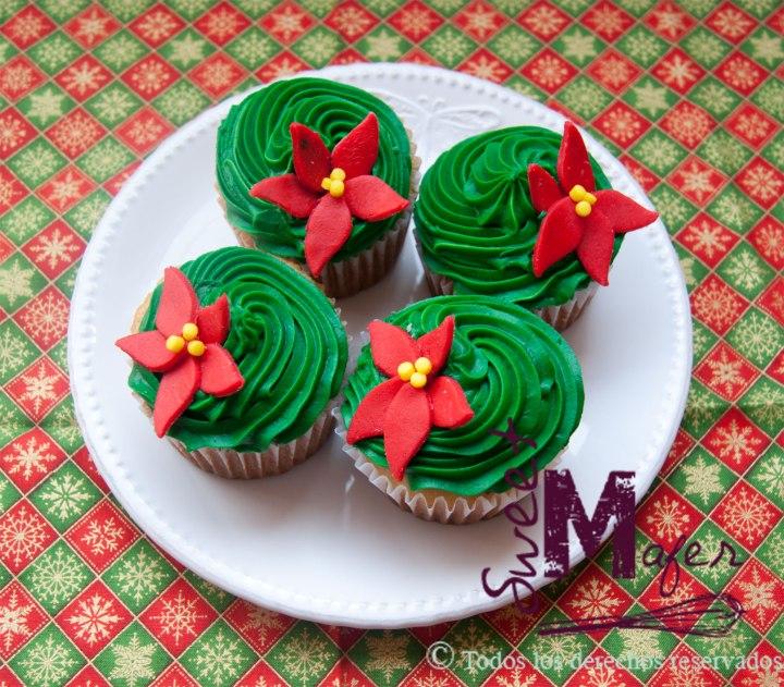 cupcakes-poinsetias