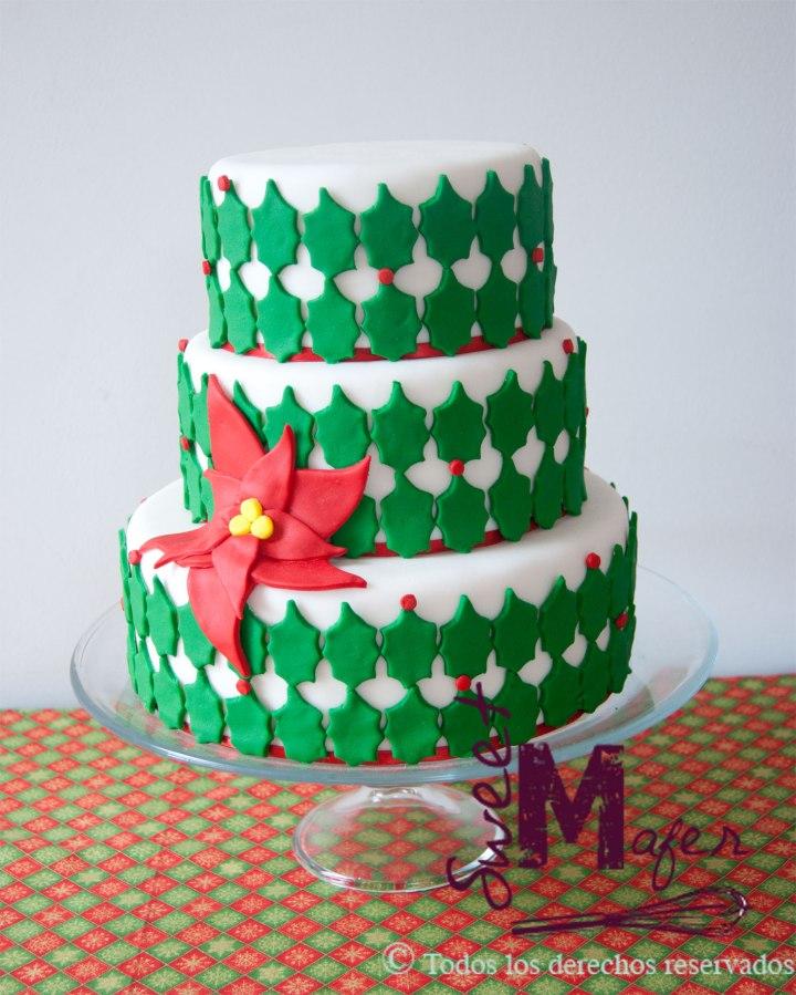 torta-hojas-y-poinsetia