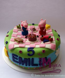 peppa-picnic-cake