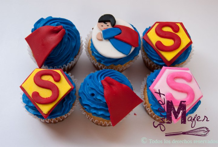 supereman-cupcakes