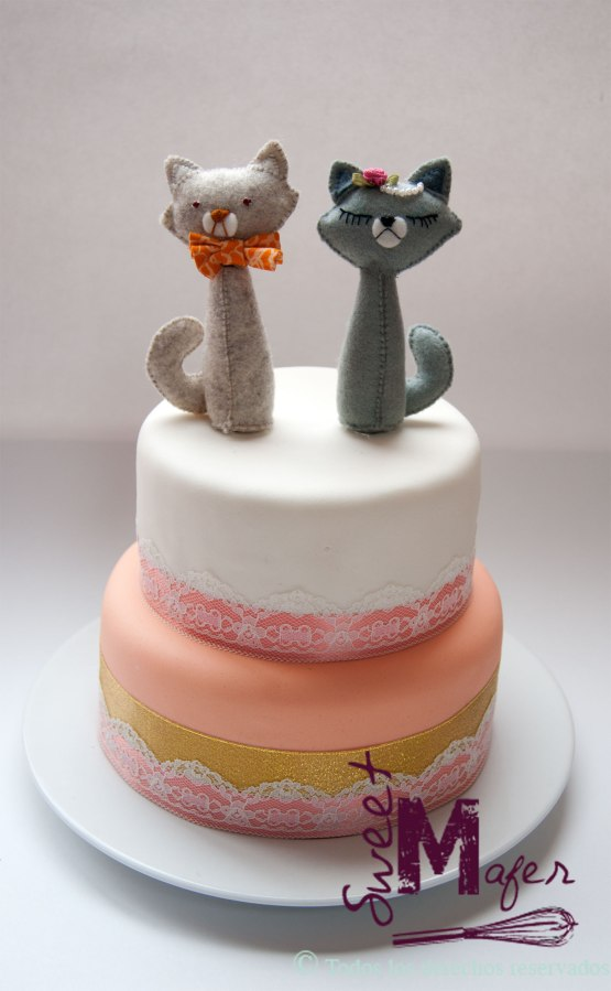 torta-encaje-y-cintas