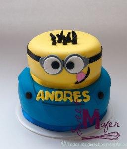 torta-minion-2-pisos