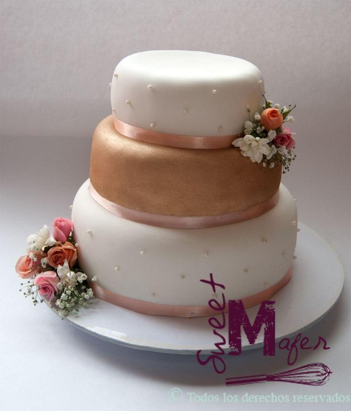 torta-boda-liliana-dorado-y-perlas
