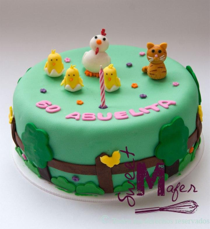 torta-gallinas-y-gato