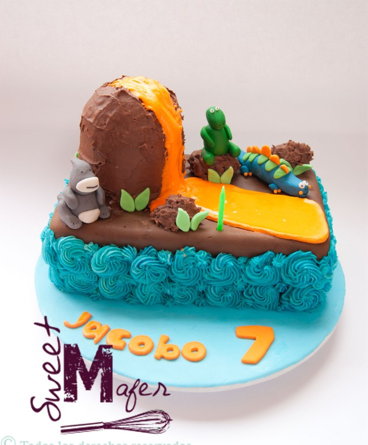 torta-volcan-y-dinos
