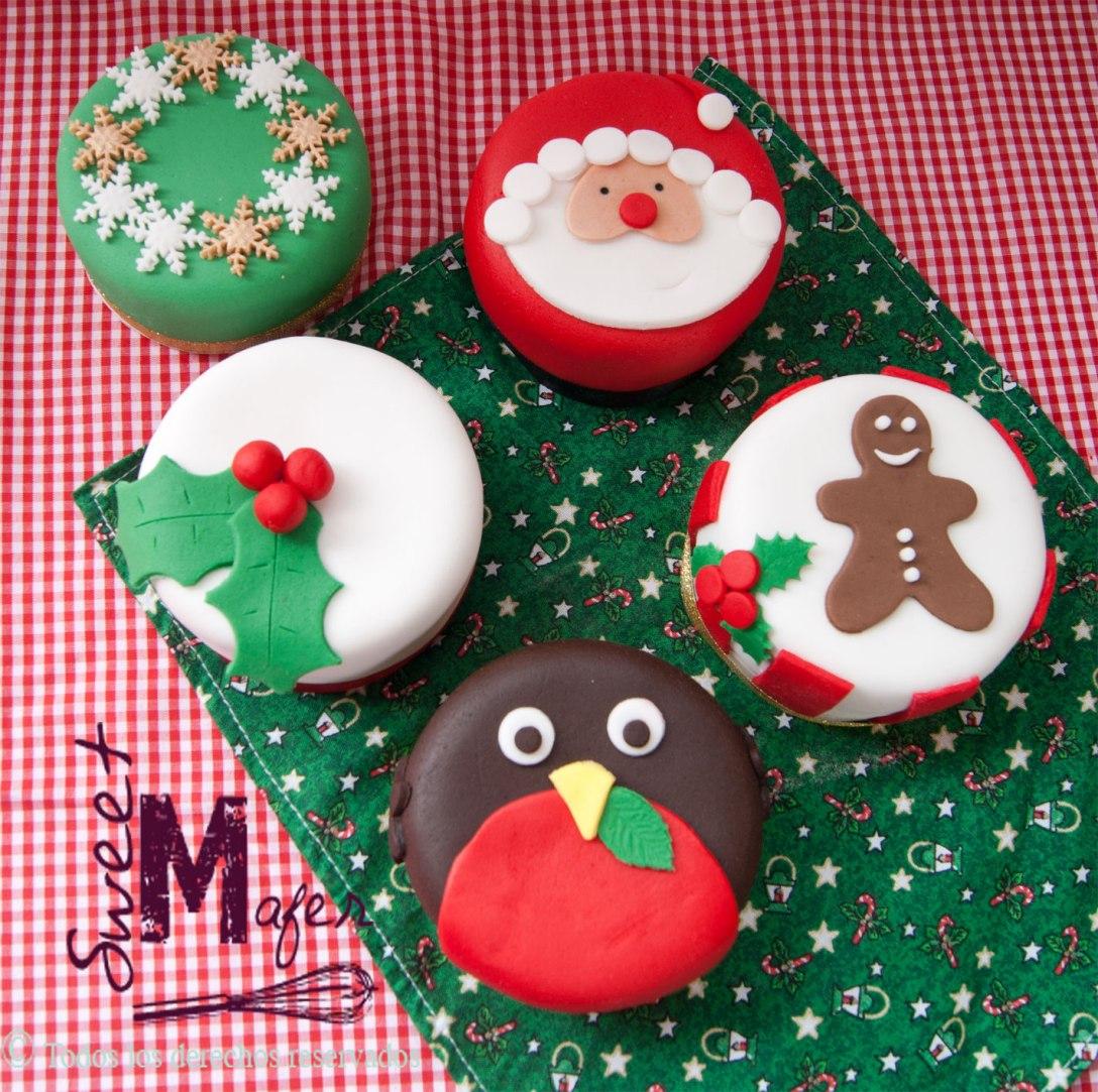 Mini cakes de navidad, de 2 porciones, disponibles en masas de cake negro de navidad, chocolate, vainilla y marmolado.