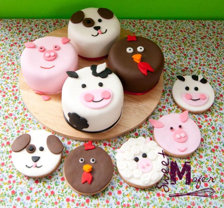 mini cakes y galletas de caras de animales de la granja