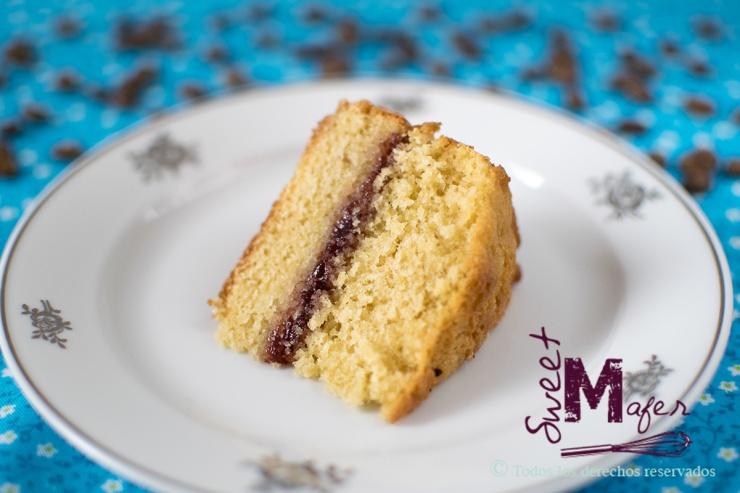 Rebanada de torta de vainilla y mora de Sweet Mafer