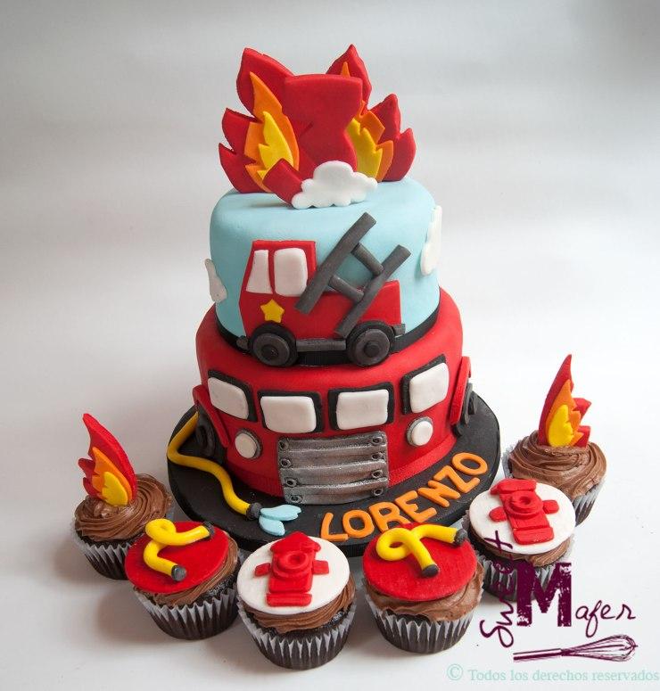 torta-y-cupcakes-bombero